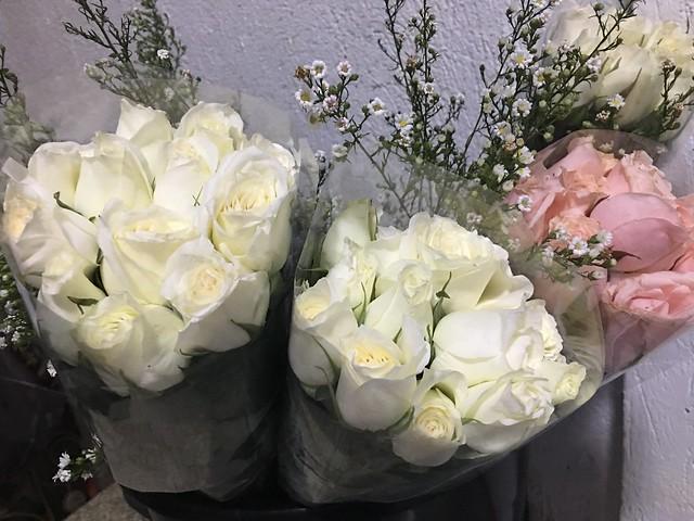OMB dinner 027 flowers