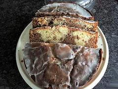 Cinnamon marble cake