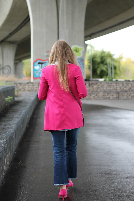 pink-coat-whole-look-back-wiebkembg