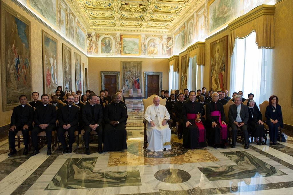 Đức Thánh Cha Tiếp Kiến Các Thành Viên Giáo Hoàng ...