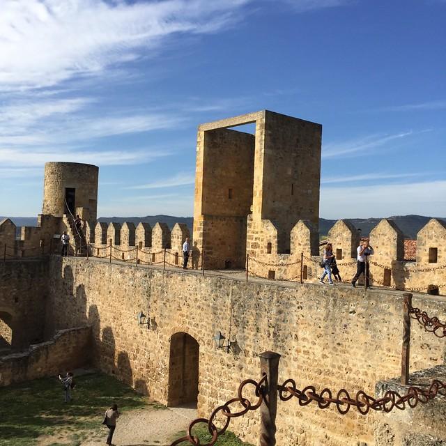 castillo frias exin