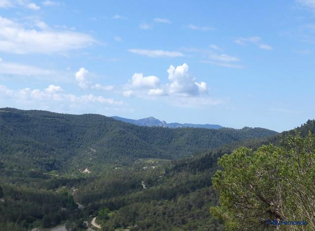 Montbrú Vell - Paisaje 01- La Vall de Marfà y El Montcau (14-05-2017)