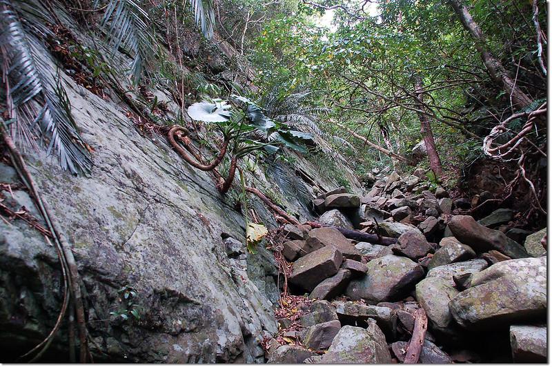 紅土(中港)溪支流大岩壁