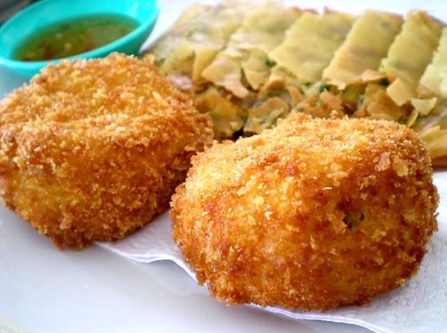 Spanish chicken croquettas