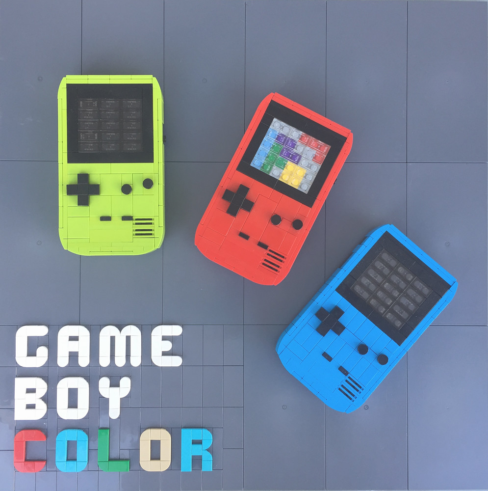 Game Boy Color out of LEGO bricks