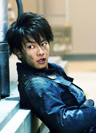 映画「亜人」の特報映像が解禁!不死身である「亜人」と知った佐藤健が扮する永井圭役