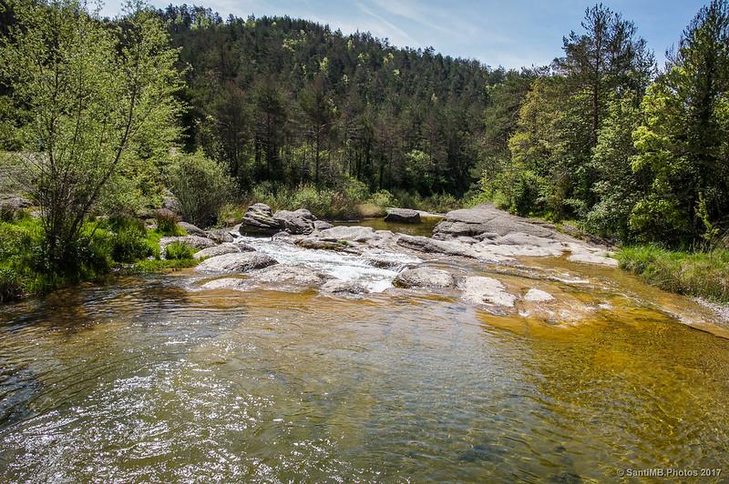 Riera de Merlès desde el puente del camping
