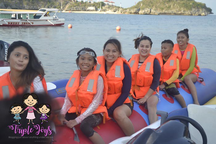hundred-islands-pangasinan-quezon-island-banana-boat