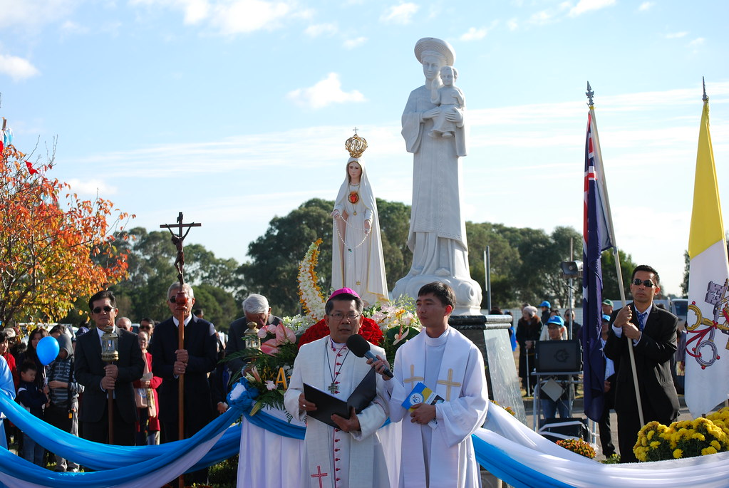 Rước kiệu Mẹ Fatima kỷ niệm 100 năm