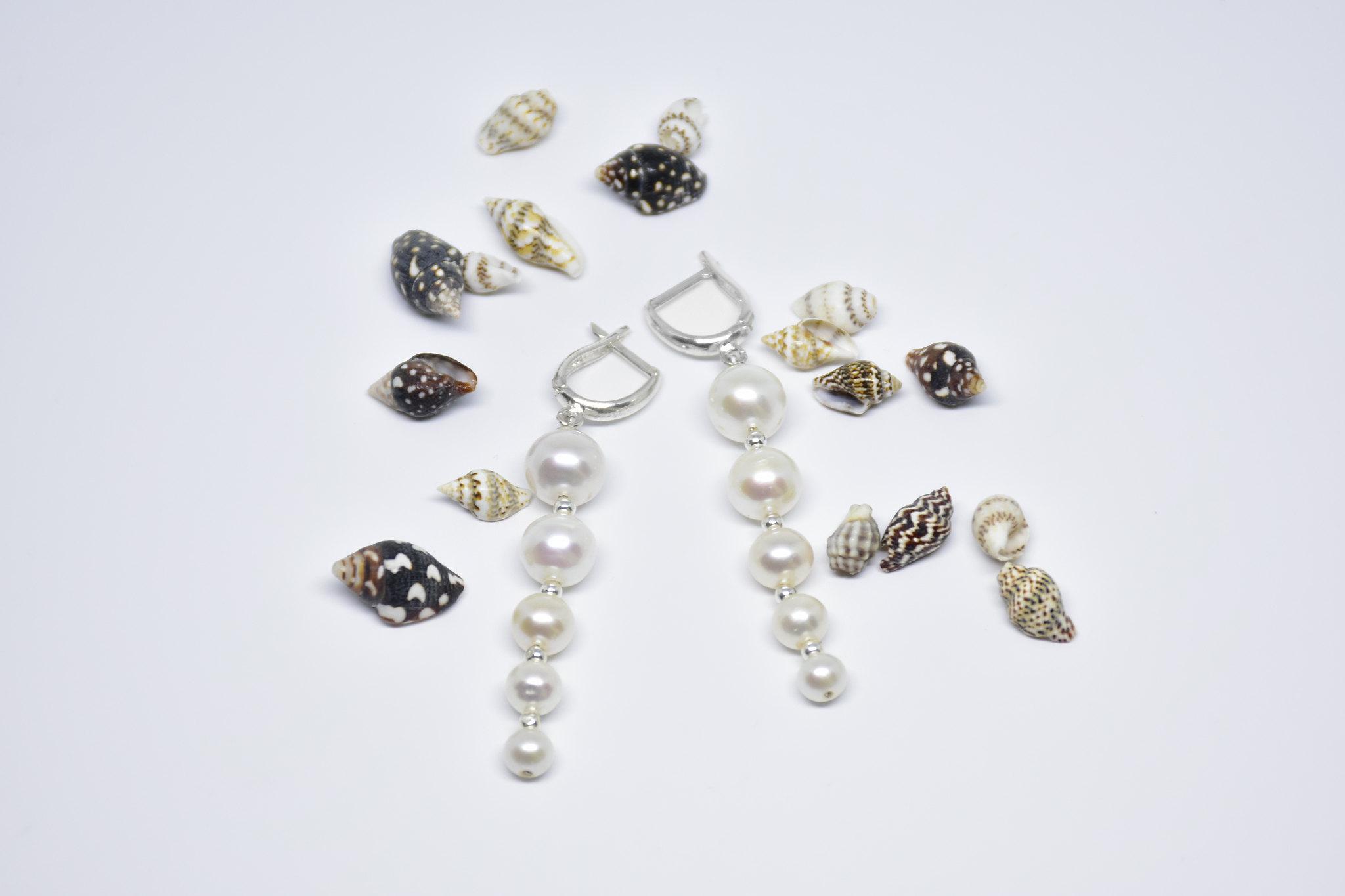 - Ahsen 925K Gümüş Sallantılı Doğal Beyaz İnci Küpe-AH-00045