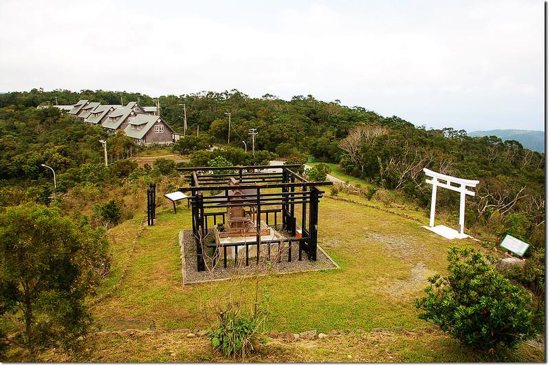 高士佛永久屋觀景台俯瞰高士神社及永久屋