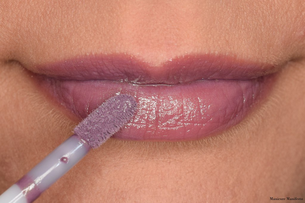 Shiro lip gloss swatch