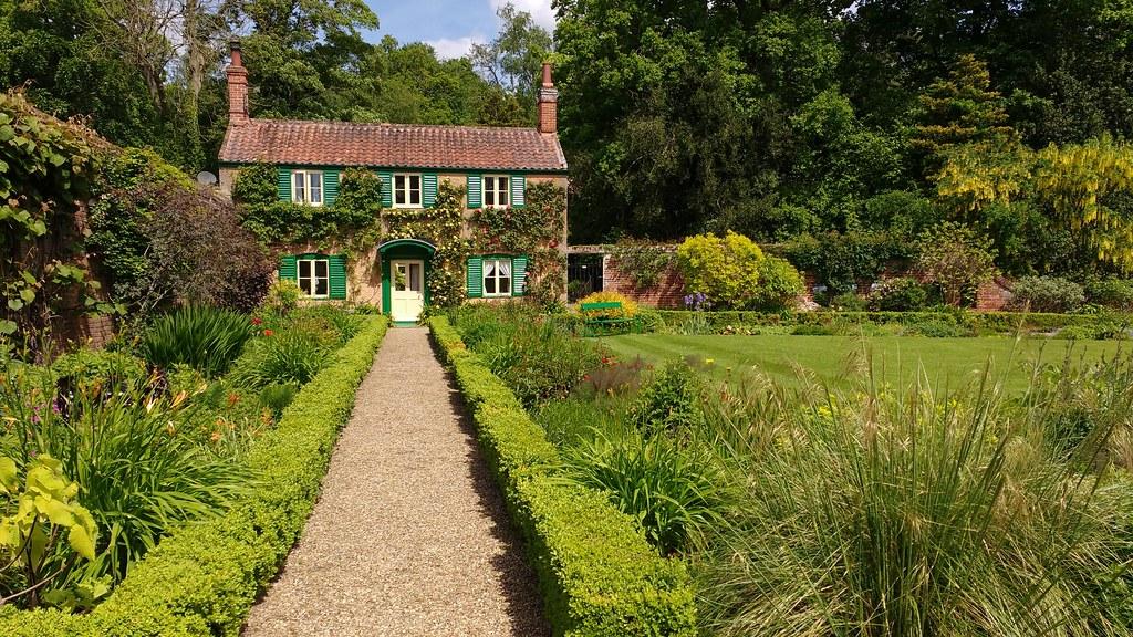 Gardener\'s cottage, Hoveton Hall Gardens | Pretty much irres… | Flickr