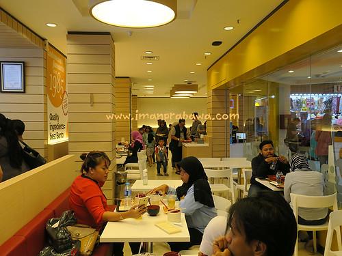 suasana-hokben-arion-mall-pemuda