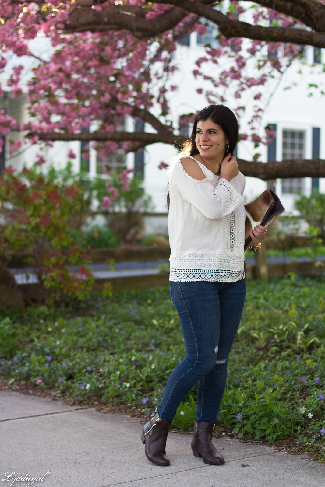 white boho top, jeans, brown booties, springbok clutch-3.jpg
