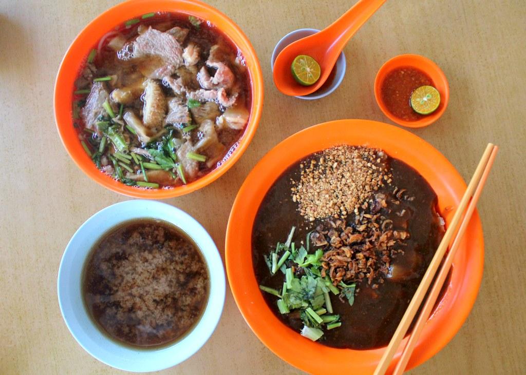 zheng-yi-hainanese-beef-noodles-dishes