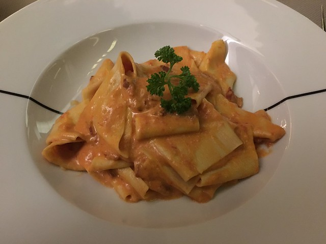 Paper Moon,  pappardelle pasta with pink sauce