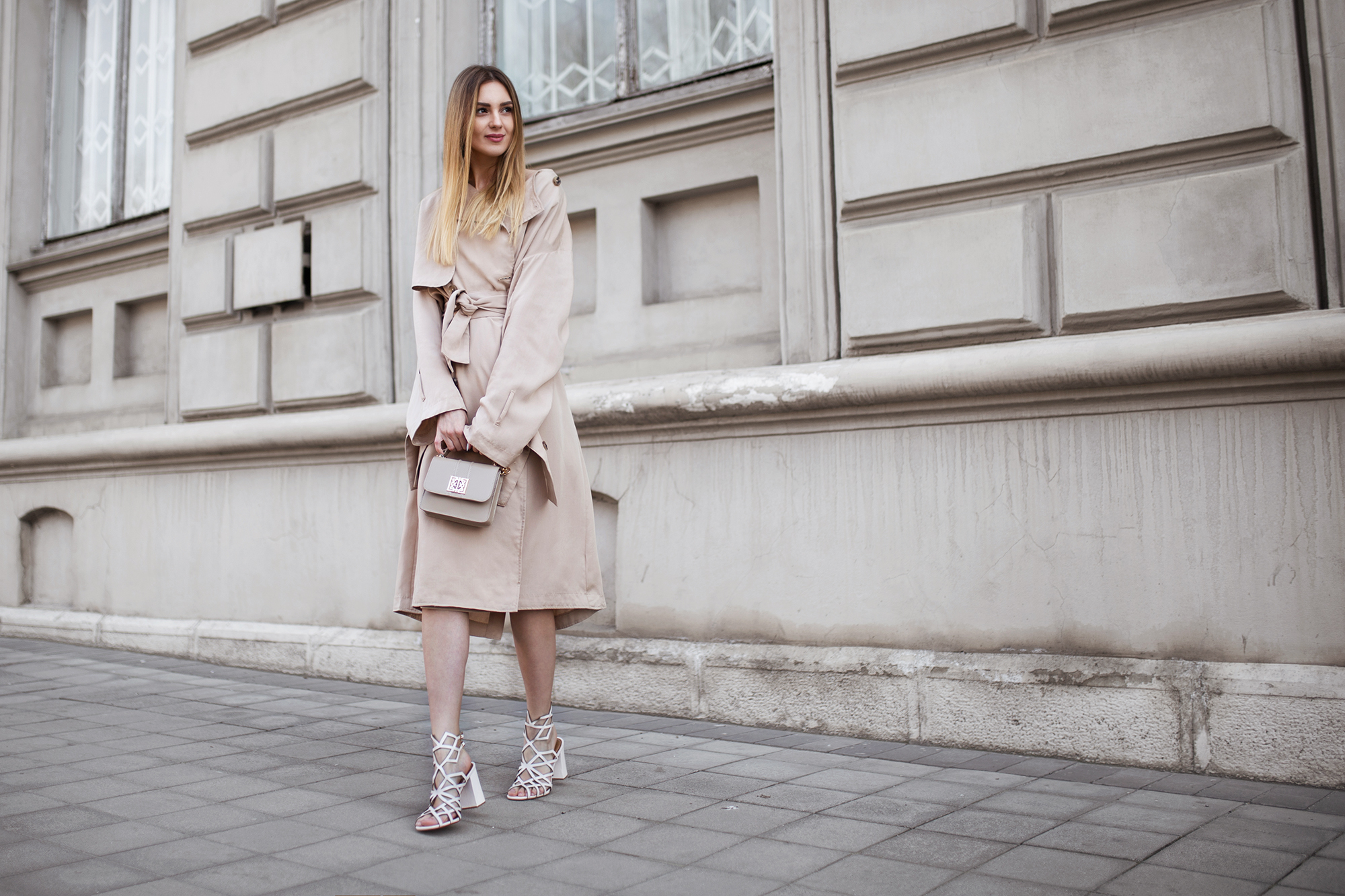 trench-coat-as-a-dress-outfit