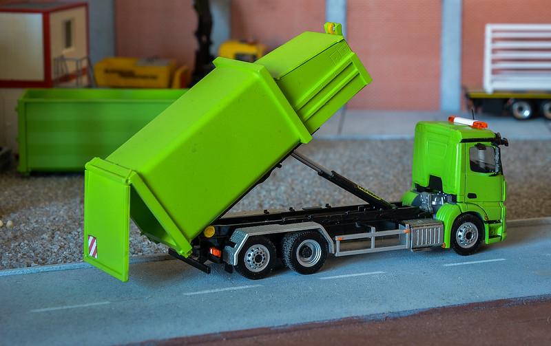 Camiones, transportes especiales y grúas de Darthrraul 34388963241_a9b25cfd81_c