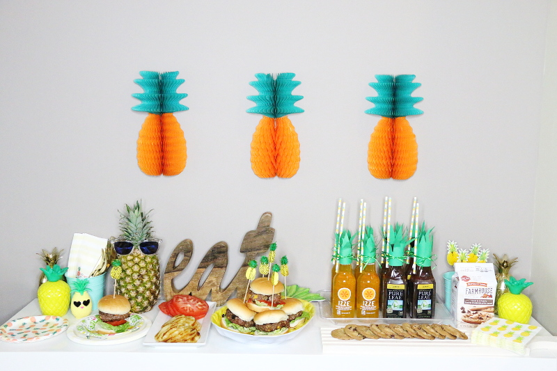 summer-pineapple-party-tablescape-theme-17