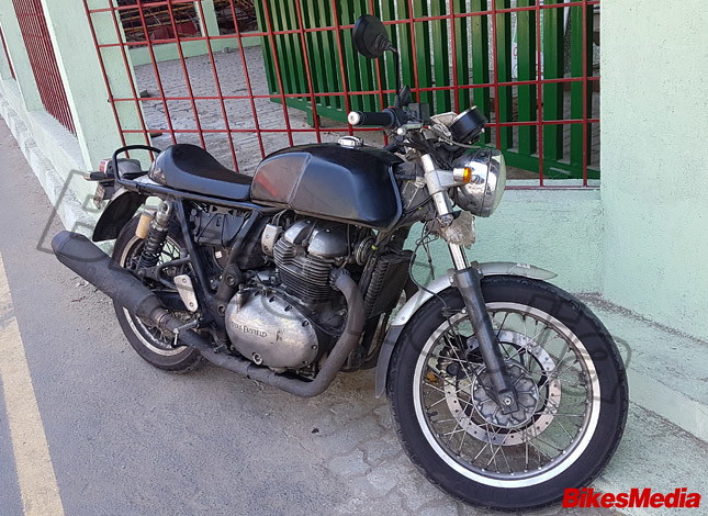 Royal-Enfield-Continental-GT-750-front-three-quarters-spy-shot