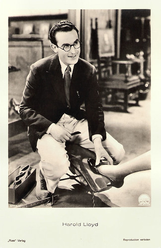 Harold Lloyd in Feet First (1930)