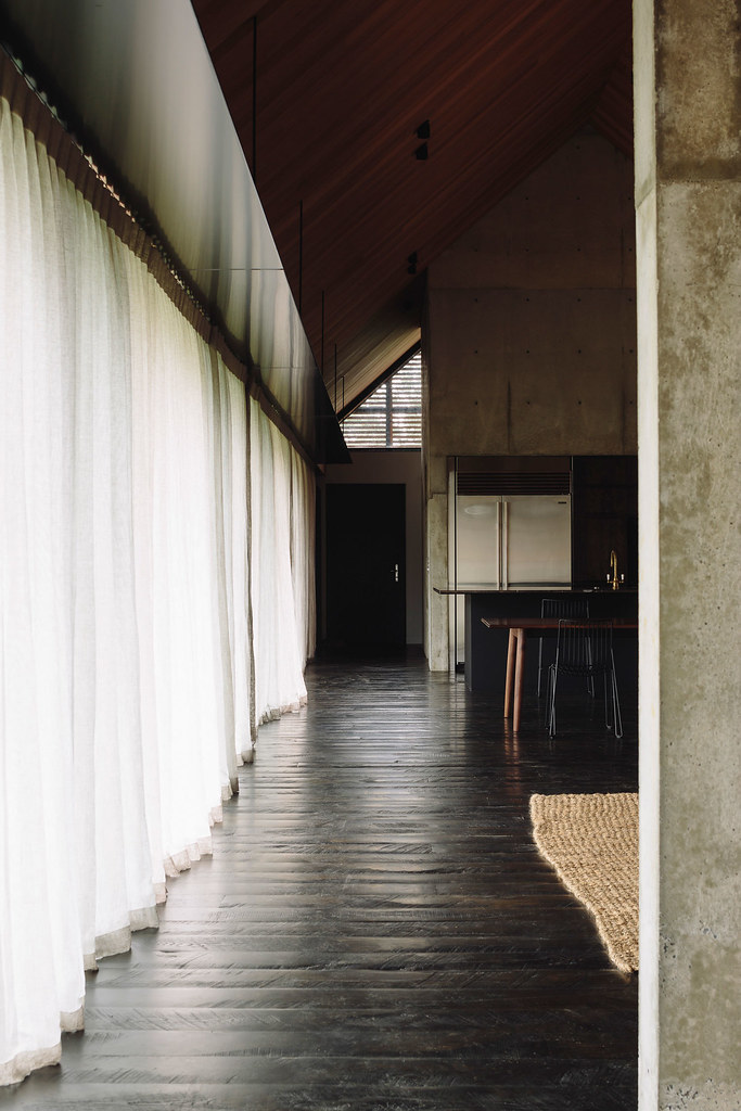 Modern forest house Auckland, New Zealand by Fearon Hay Architects Sundeno_06