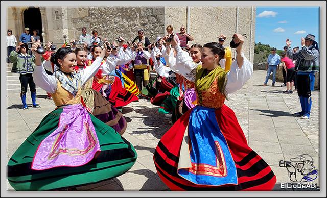 Romeria a Santa Casilda. Procesión, misa y bailes (5)