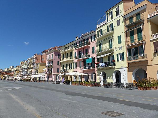 les arcades d'Oneglia