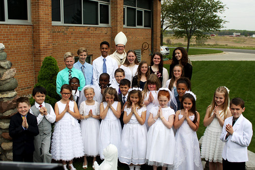 Bishop Walkowiak attends Holy Trinity May crowning