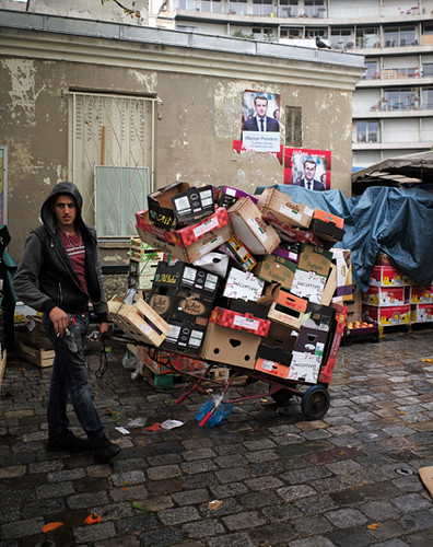 17e07 Marché d'Aligre el domingo de la elección anunciada de Emmanuel Macron_0019 variante 1 Uti 425
