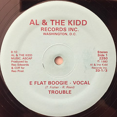 TROUBLE:E FLAT BOOGIE(LABEL SIDE-A)