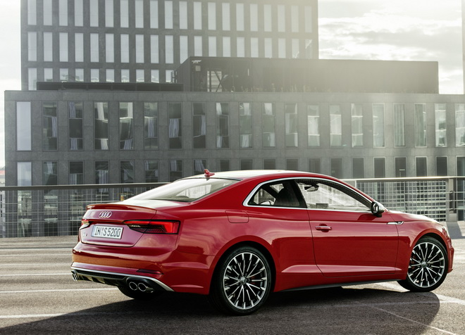 """Winner of the ?Golden Steering Wheel 2016"""": Audi A5/Audi S5 Coupe and Audi Q2"""
