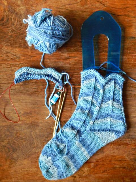 носки шевроном, процесс | сhevron socks - WIP