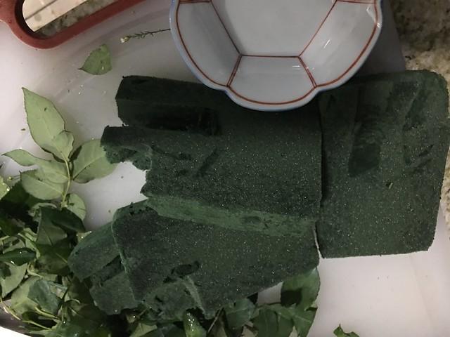 green foam for flowers