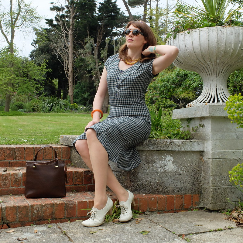 Green Collectif dress @porcelinasworld