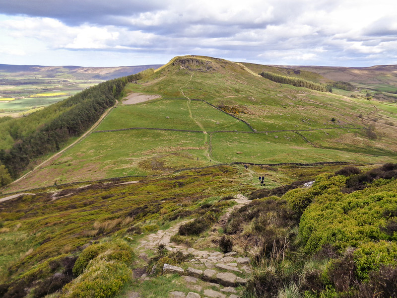 Descending Cold Moor and heading to the Wainstones