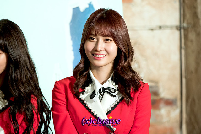 twice-momo-sgxclusive-2