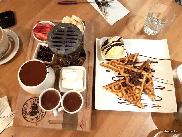 Cacao 70 chocolate fondue