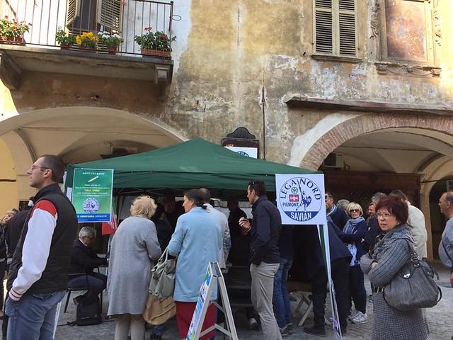 raccolta firme a Savigliano per Gioffreda Sindaco (30/04/17)