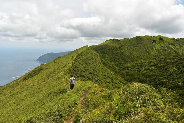八丈富士の稜線登山