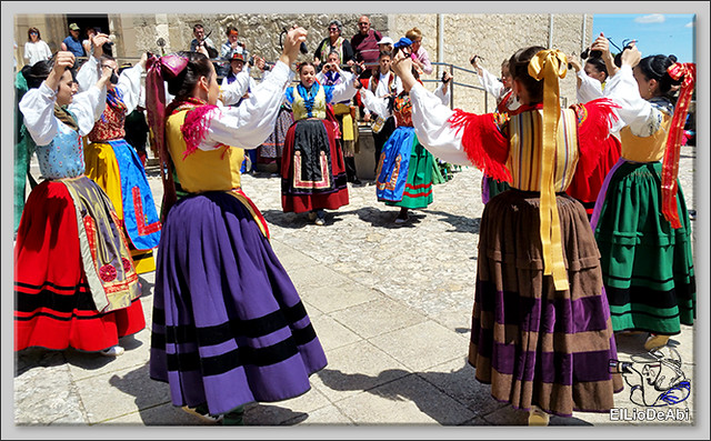 Romeria a Santa Casilda. Procesión, misa y bailes (6)