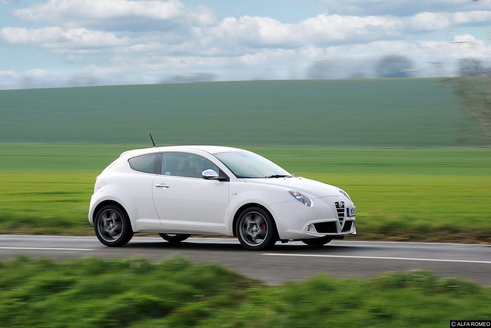 car review alfa romeo mito 1 3 jtdm 2 thegayuk. Black Bedroom Furniture Sets. Home Design Ideas