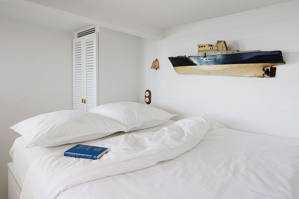 Nautical interior design of a Mediterranean cabin by Emil Humbert and Christophe Poyet Sundeno_14