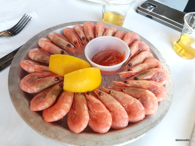 Chilled platter of shrimps