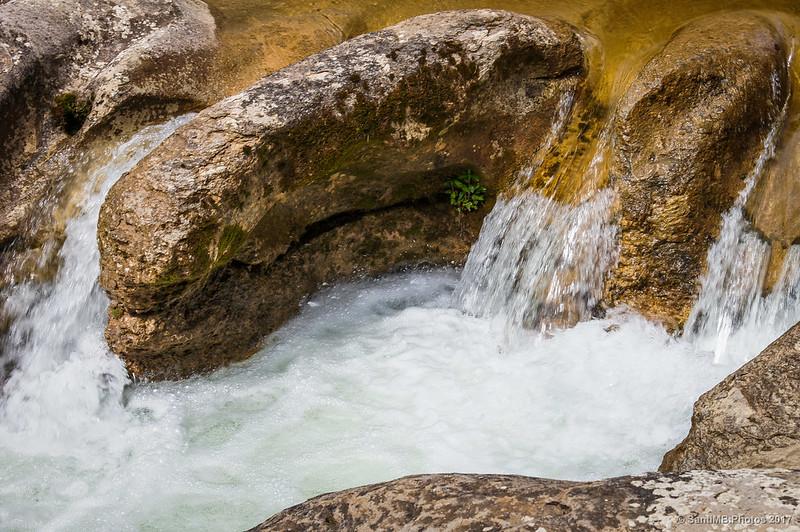 Pequeño salto de agua en la Riera de Merlès