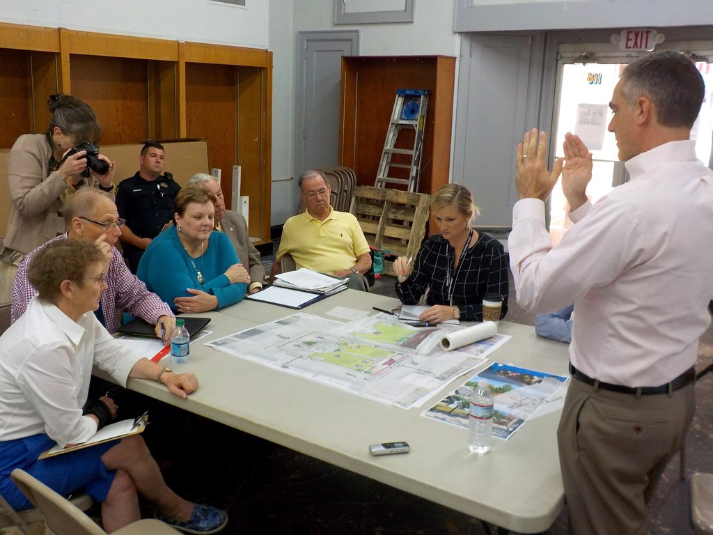 Stakeholders discuss Courthouse Square Public Space Improvements