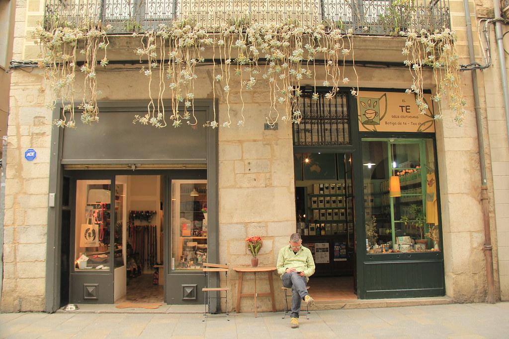 Local life, Girona