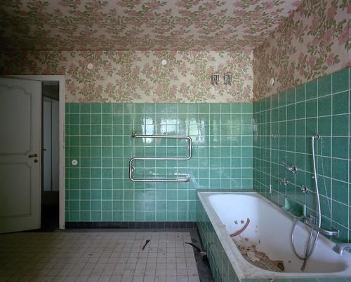 Nazi villa 5 badezimmer villa von hans g nther sohl for 6x7 bathroom
