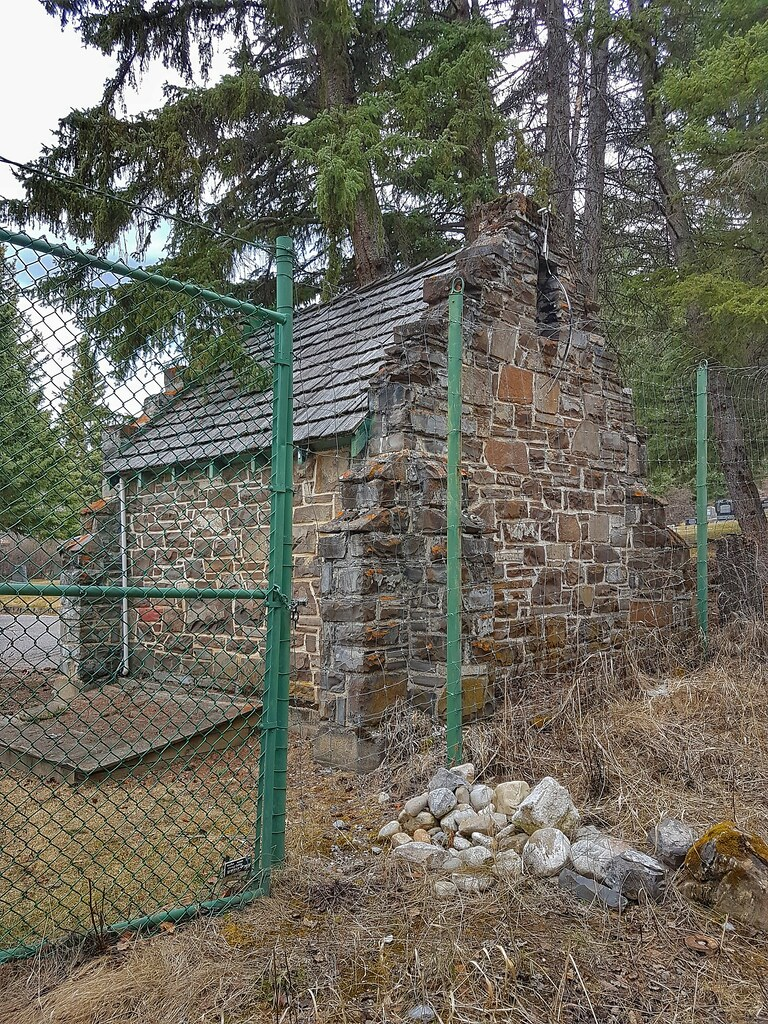 old Banff cemetery shed